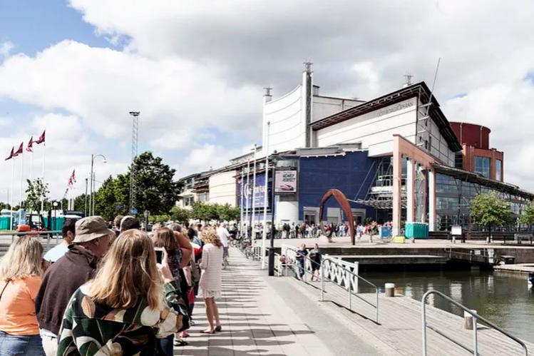 Kön för biljetter till 2015 års konsert på Kulturkalaset. Foto: Tilo Stengel
