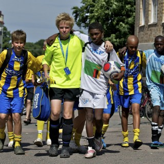 Vänskapsband knyts på Gothia Cup som äger rum den 16-23 juli. Foto: Gothia Cup/Creative Commons