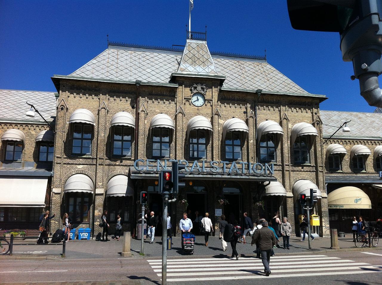 Ta tåget till Göteborg och se Håkan Hellström